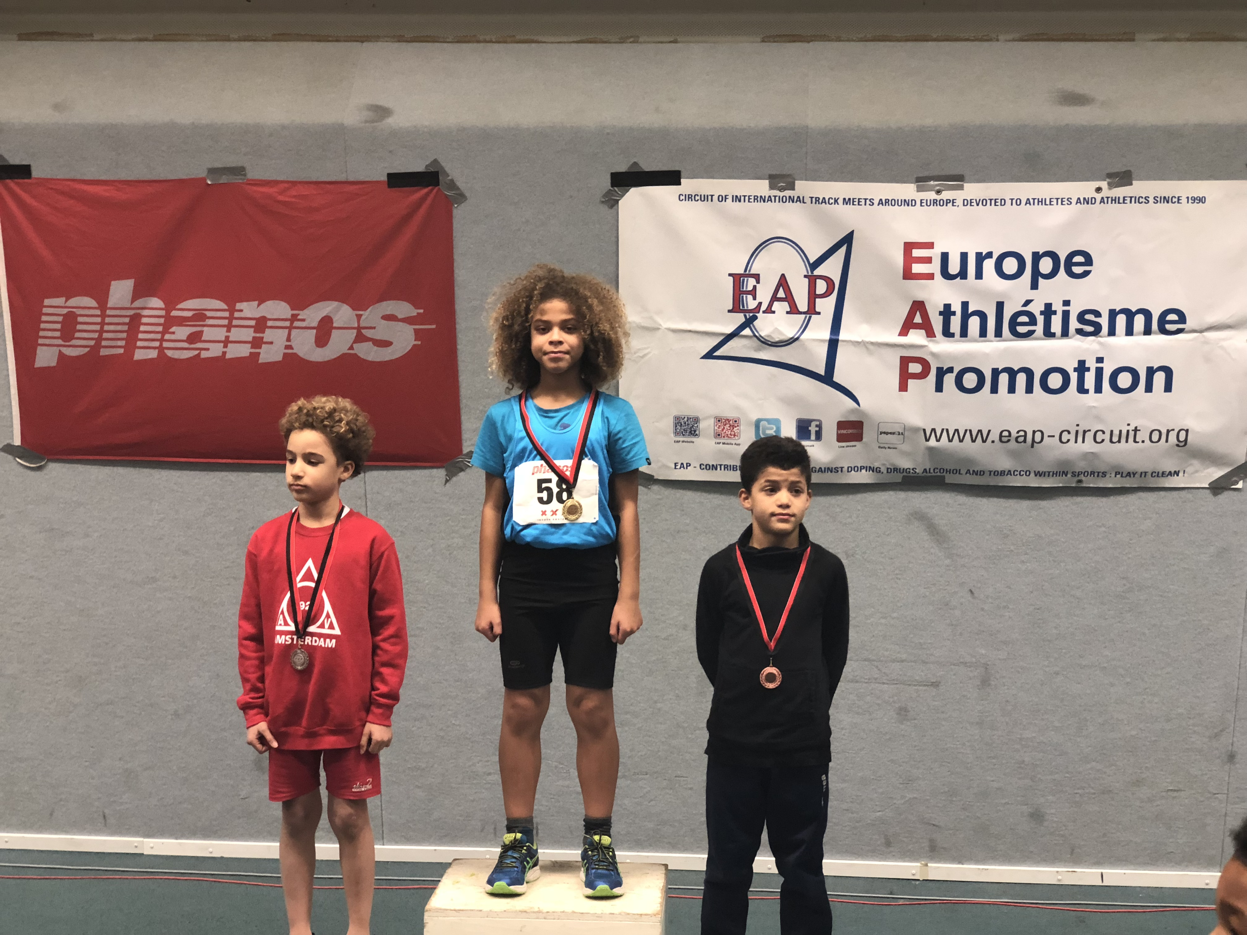 FENIKS WEEKLY 06: Sprinten in Amsterdam, indoor Hellas