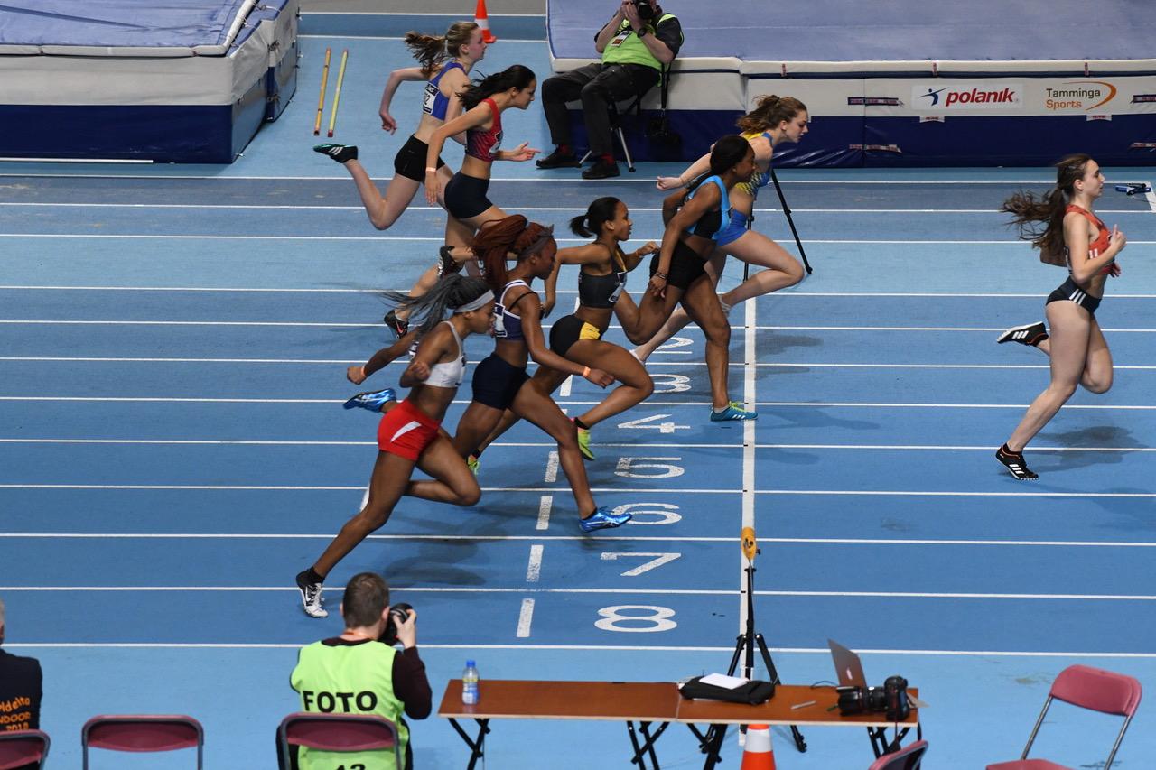 FENIKS WEEKLY 07: Sarah Itiola 3e op 60m sprint tijdens NKJ